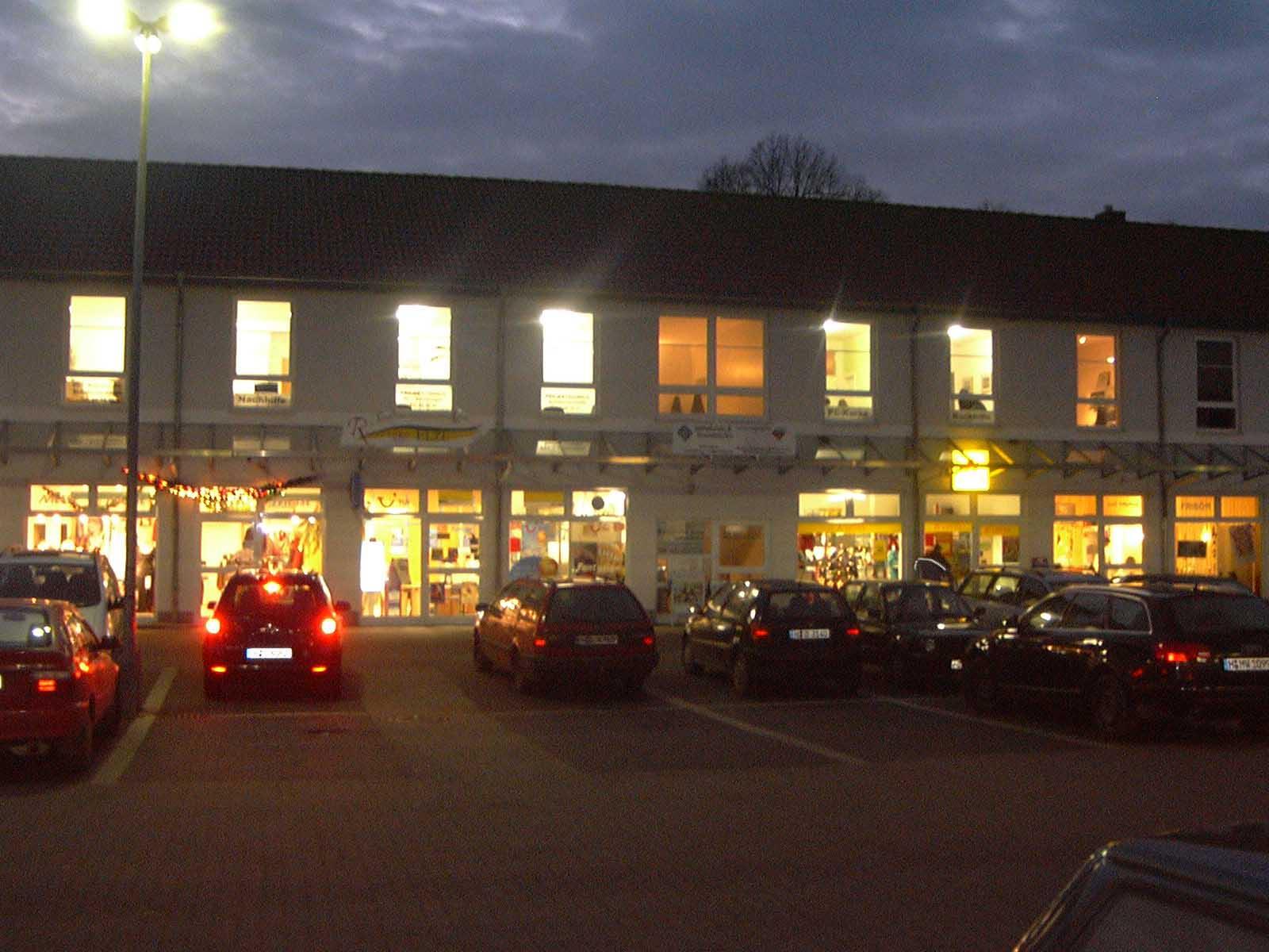Projekt Lernhilfe Gebäude abends, in der Wedemark, Langenhagen, Kaltenweide und Schwarmstedt